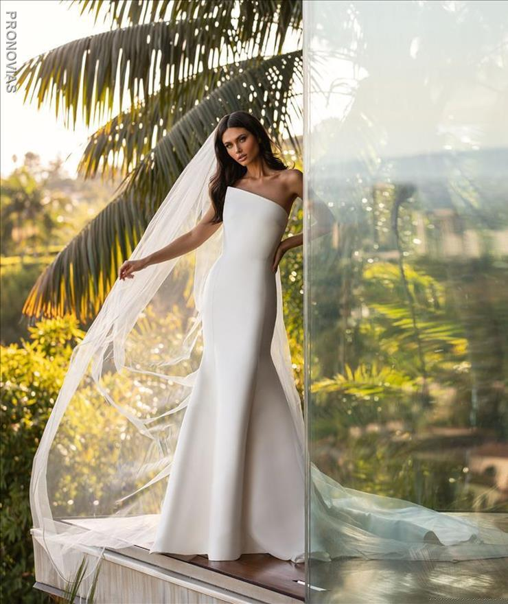 Pronovias Day Image